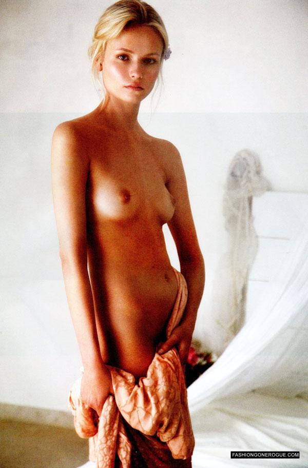 Natasha Poly | MFD - Multiple Fashion Disorder