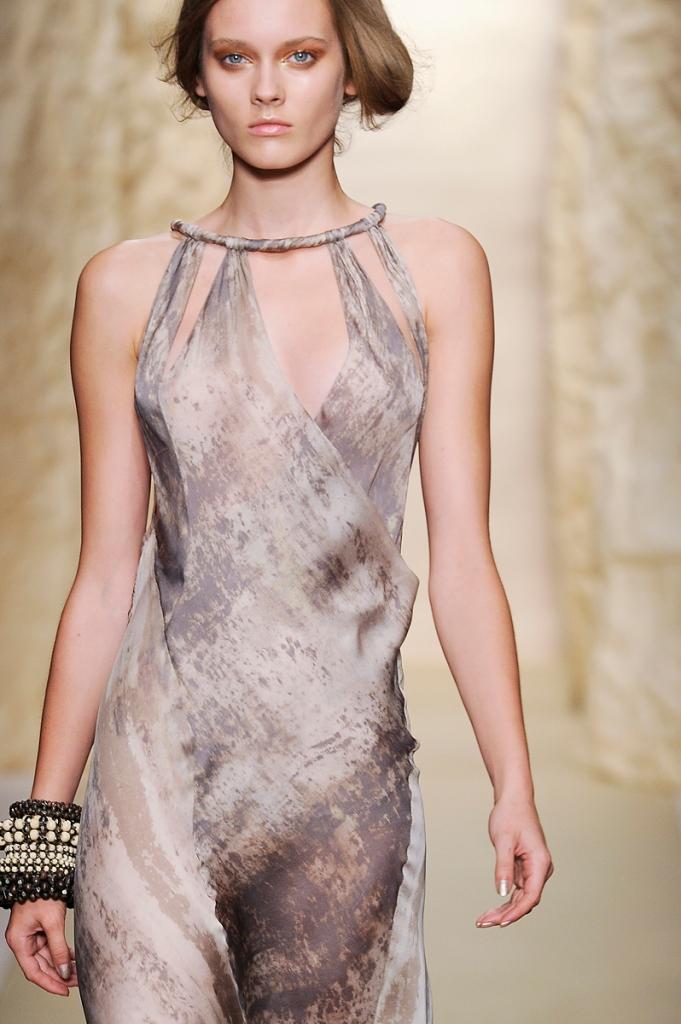 Donna Karan Spring 2011 20 detail