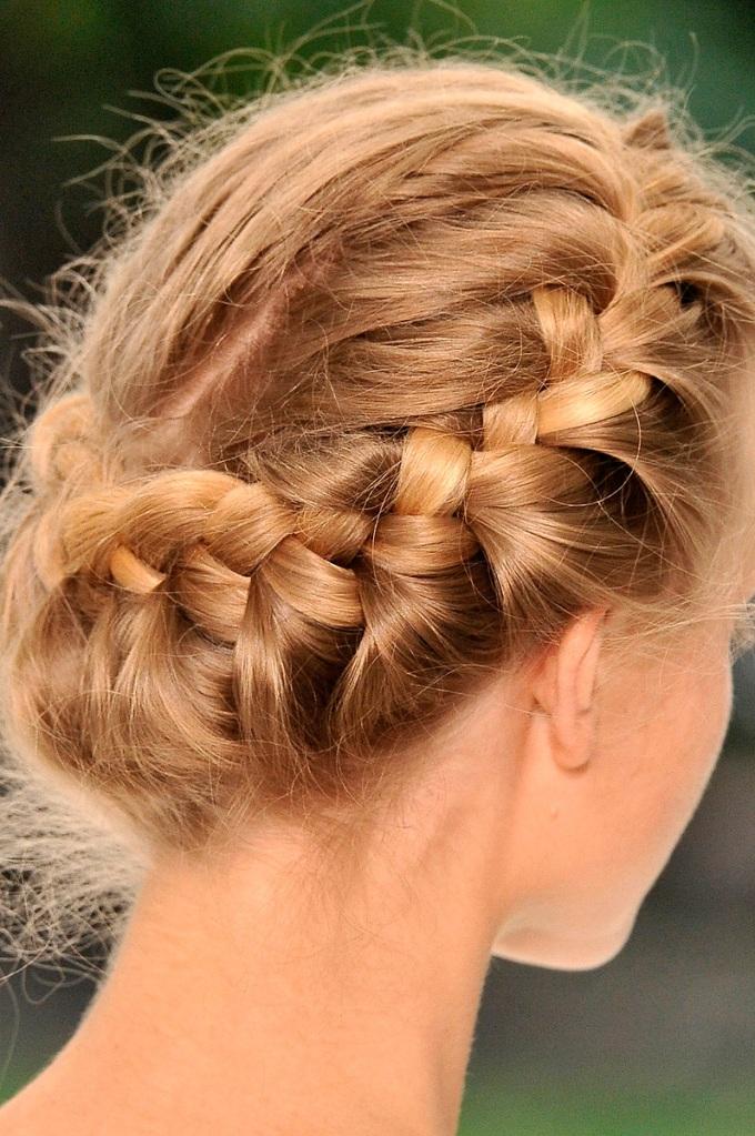 Erdem Spring 2011 hair
