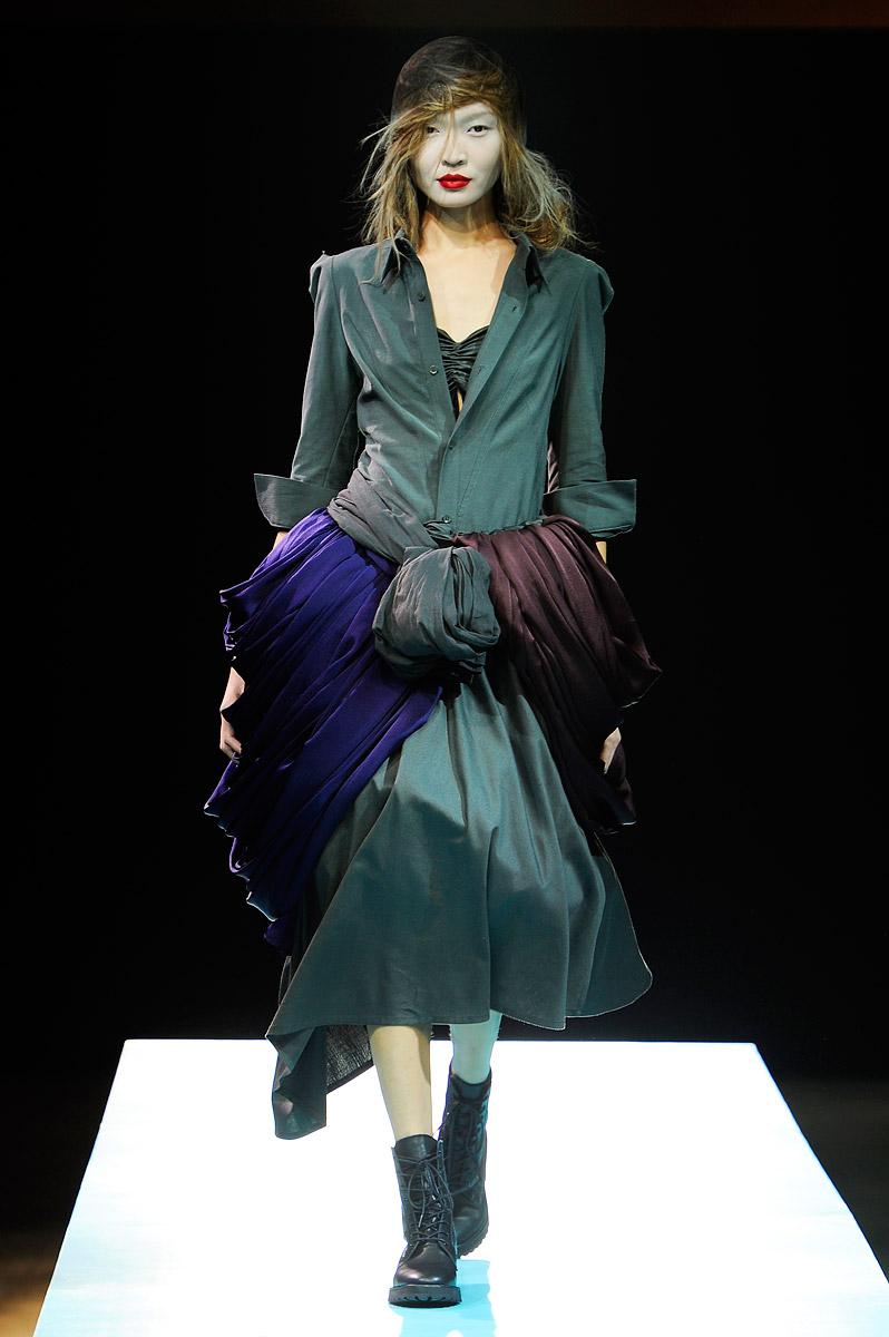 Yohji Yamamoto Fashion Designs