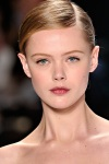 Carolina Herrera Fall 2011 40 Frida Gustavsson