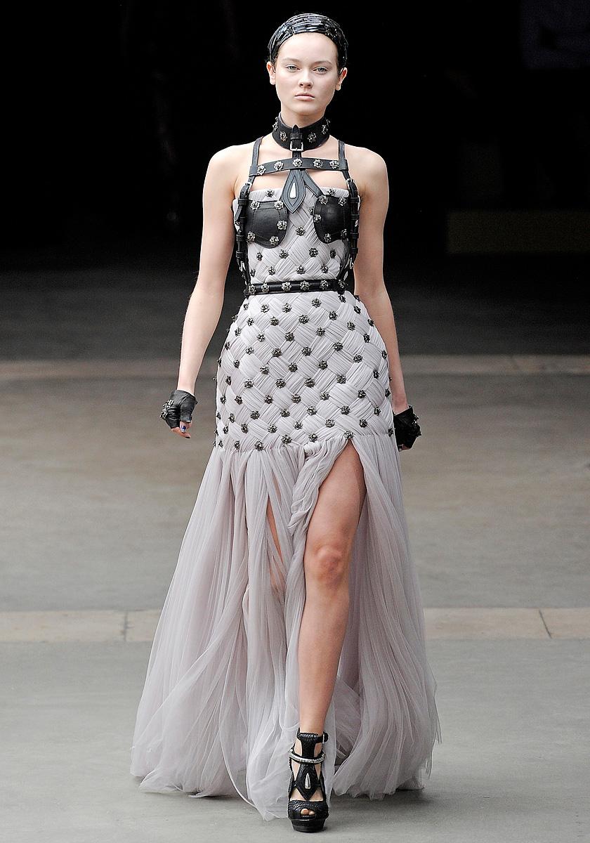 Alexander McQueen Fall 2011 | MFD - Multiple Fashion Disorder