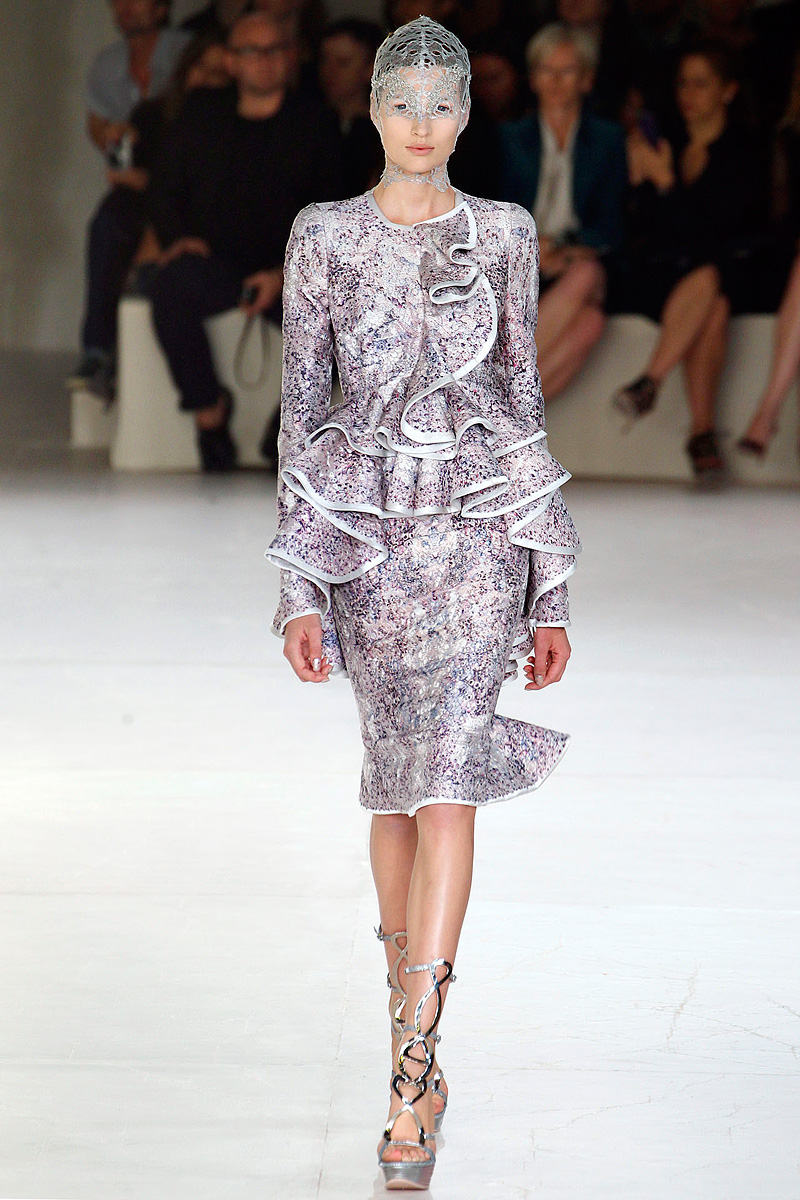 Alexander McQueen Spring 2012 | MFD - Multiple Fashion ...